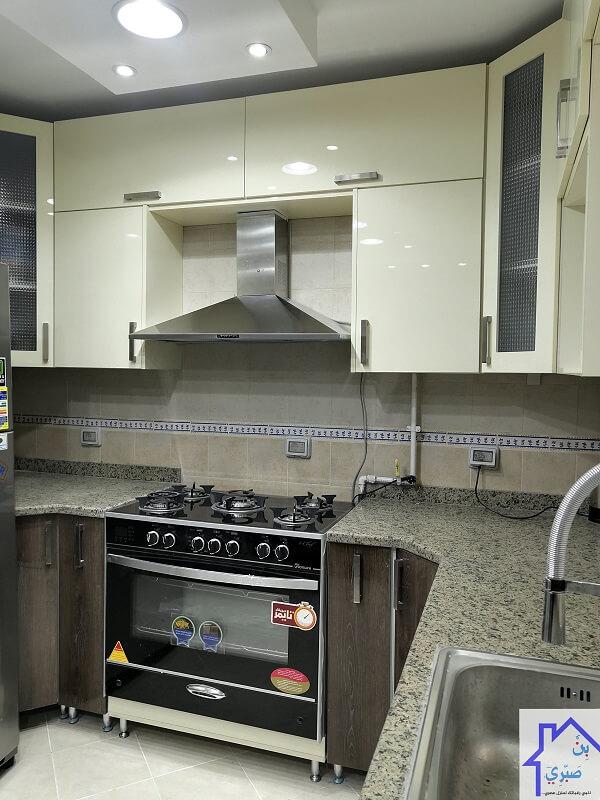 uv lak kitchen randa 04